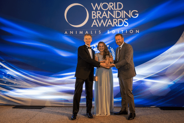 Damien Martin, Global Head of Pet Healthcare Business; Laura Correro, Head of Marketing Pets Health Care EMEA; and Thomas Went, Head of Global Marketing Activation Pet Healthcare accepting the Award.