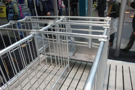 HogSlat Breeding Stall