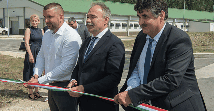 Gabor Kiszel, Minister István Nagy and Tibor Pogacsas MP (left to right) during the ribbon-cutting ceremony for the new poultry houses